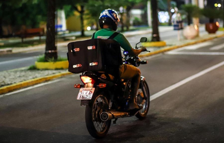 Em meio a pandemia do novo coronavírus (Covid-19), estabelecimentos fortalecem serviços de delivery para melhor atender seus clientes.