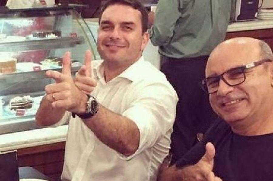 Queiroz faz exame de corpo de delito no IML em São Paulo