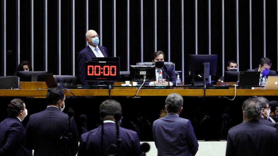 Câmara aprova em segundo turno adiamento das eleições para novembro; texto segue para promulgação