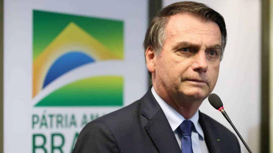 Facebook derruba rede de páginas e contas falsas ligadas a Bolsonaro