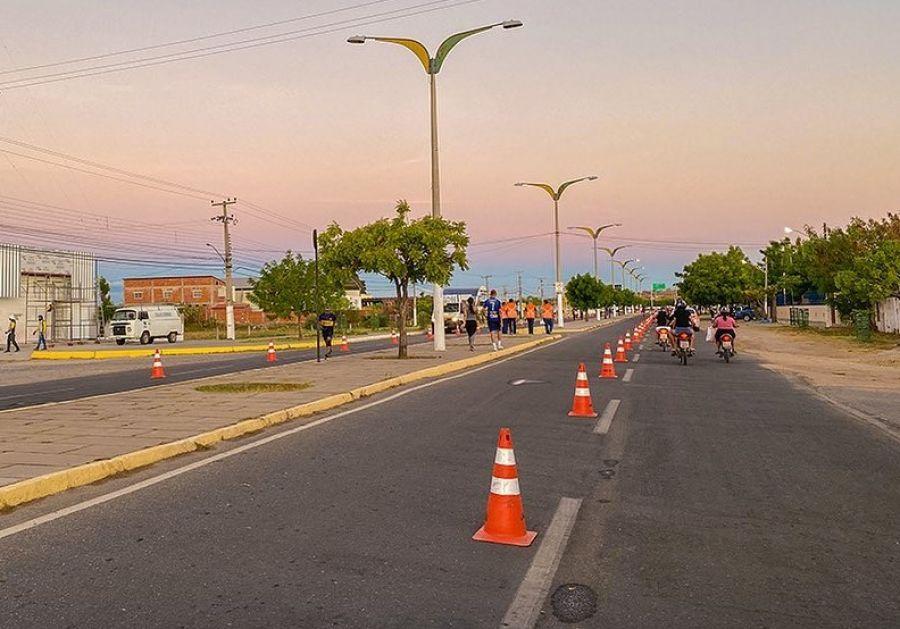 Prefeitura faz corredor esportivo para pedestres fazerem caminhada com mais segurança