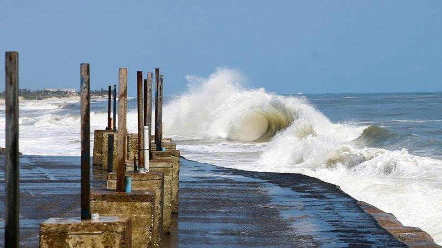Ventos de até 60 km/h atingem o litoral cearense até esta sexta-feira (23), alerta Marinha