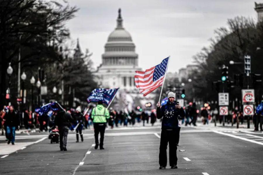 Invasão a Congresso nos EUA deve ter efeito limitado no mercado; entenda