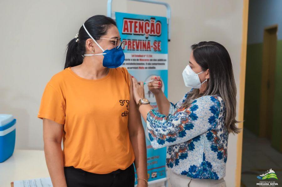 Morada Nova dá início à vacinação contra a covid-19