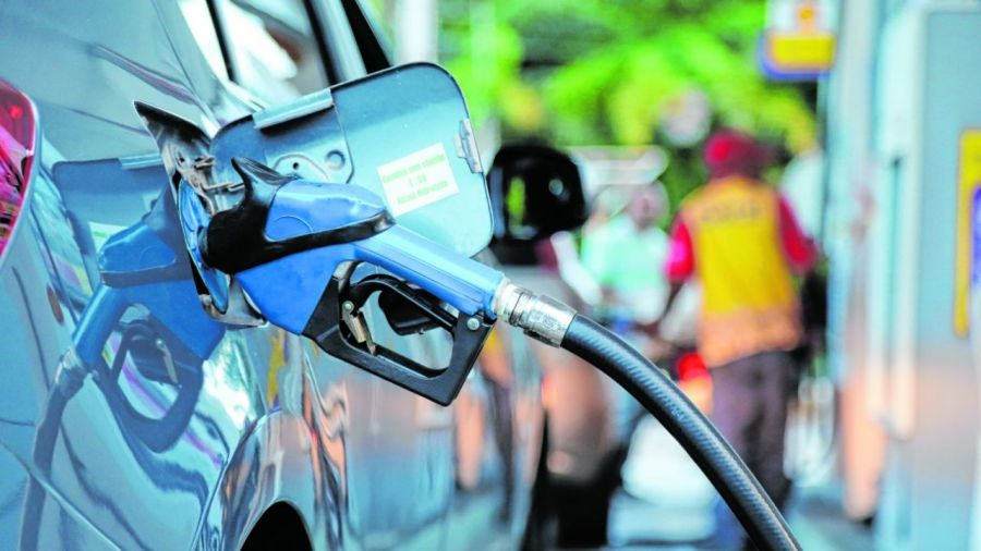 Preço da gasolina dispara e chega a R$ 5,09 em Fortaleza e R$ 5,27 no interior