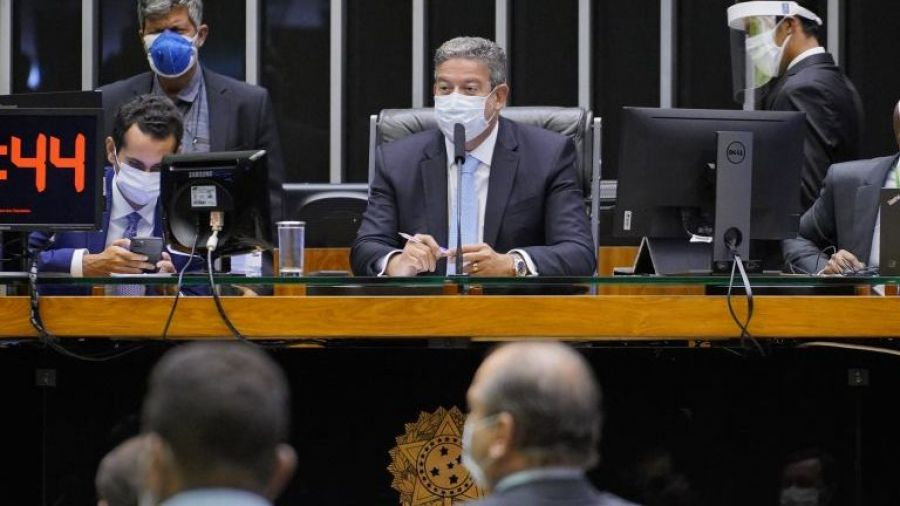 PEC Emergencial que recria o auxílio emergencial é aprovada na Câmara dos Deputados em 1º turno