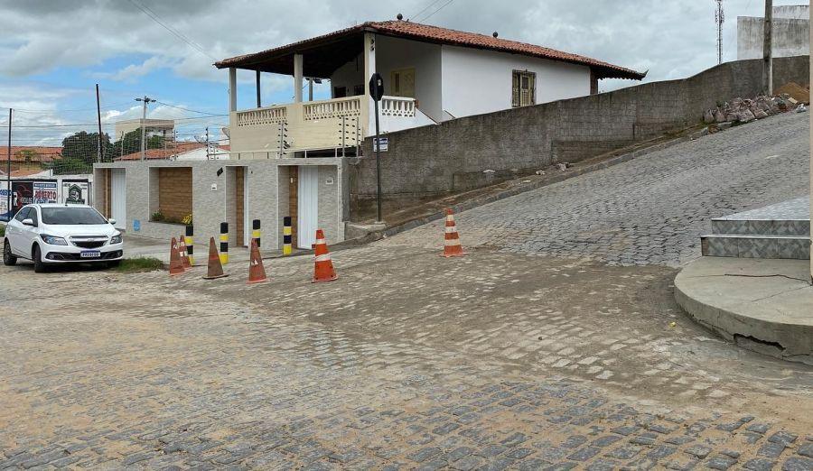 Recuperando e manutenção em diversas ruas do município de Morada Nova