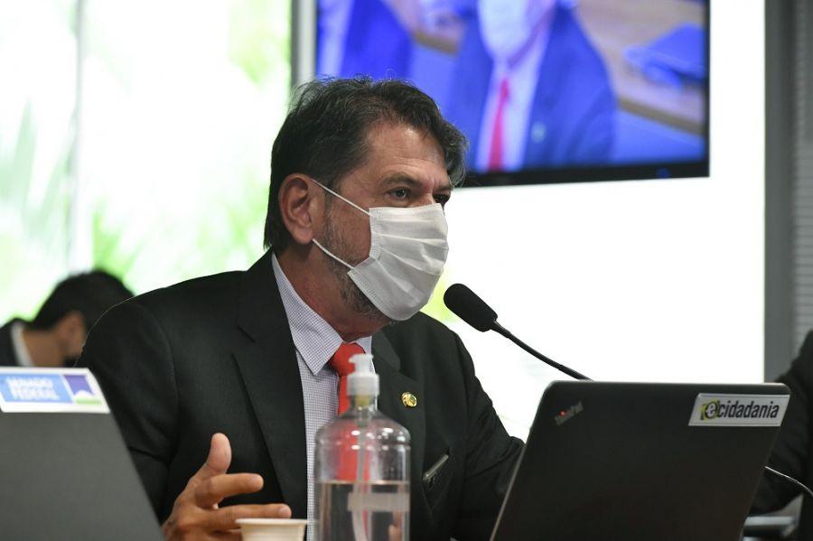 Cid Gomes testa positivo para Covid-19 e alerta para gravidade da pandemia