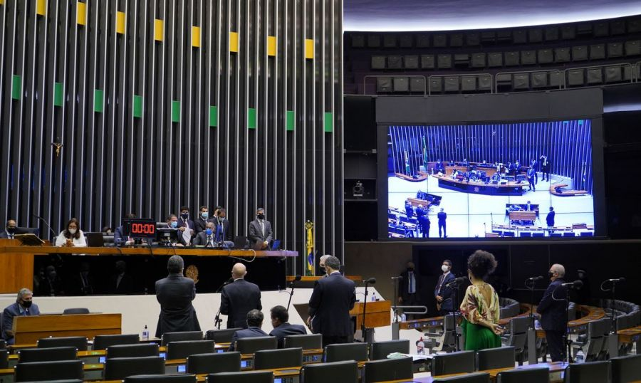 Sem distritão, Câmara aprova texto-base da PEC da reforma eleitoral