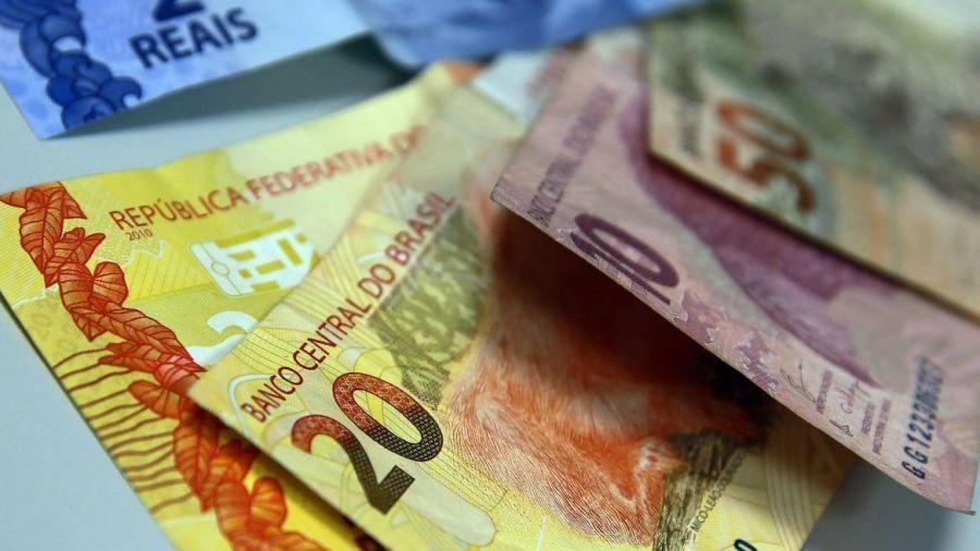 Salário mínimo em 2022 deve ficar próximo de R$ 1.170
